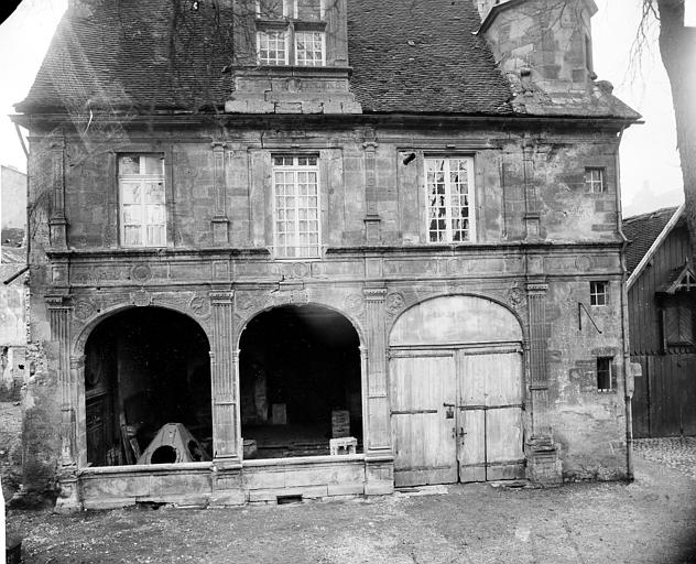 Hôtel Chartraire de Montigny et Hôtel du Commandant militaire Façade, Delaunay (photographe),