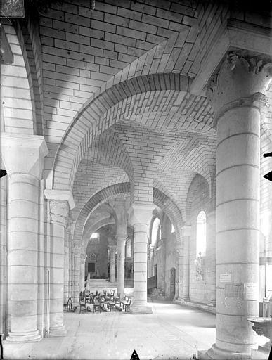 Eglise Saint-Hilaire-le-Grand Vue intérieure du bas-côté sud, vers l'est, Gossin (photographe),