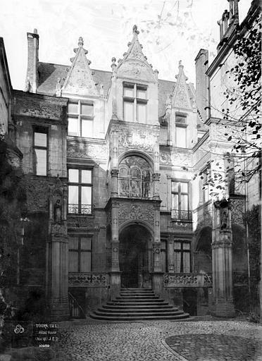 Hôtel Gouin , Durand, Eugène (photographe),