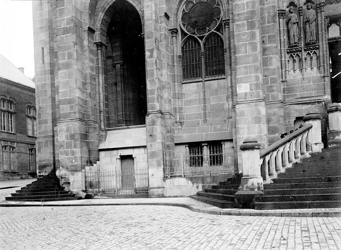 Cathédrale Notre-Dame Degrés et fenêtres, Chaine, Henri (architecte),