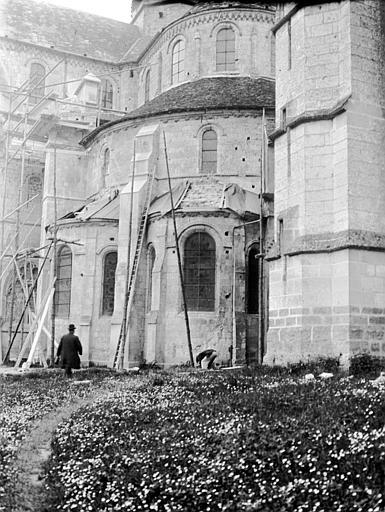 Eglise abbatiale Abside : détail, Chaine, Henri (architecte),