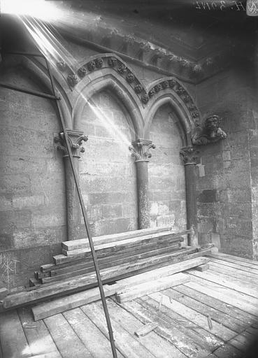 Cathédrale Notre-Dame Arcature à la base de la tour nord, Lajoie, Abel,