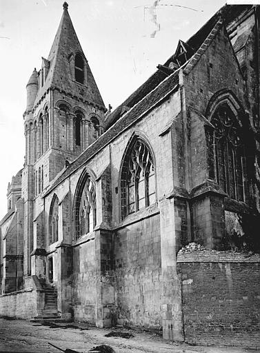 Eglise de Vaucelles Chevet et clocher, Enlart, Camille (historien),