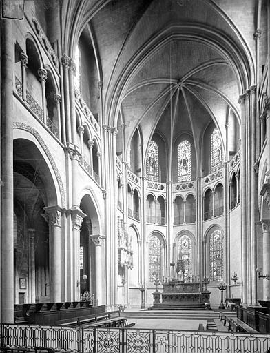 Cathédrale Saint-Vincent (ancienne) Vue intérieure du choeur, Heuzé, Henri (photographe),