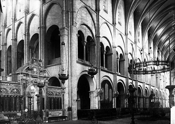 Basilique Saint-Remi Nef: travées, Enlart, Camille (historien),