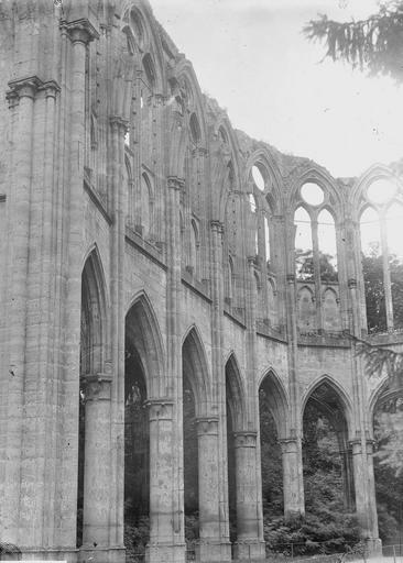 Eglise Eglise, nef, Durand, Georges (photographe à Amiens),