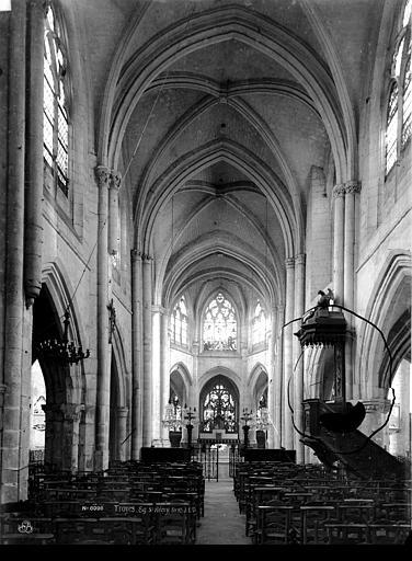Eglise Saint-Rémy Nef, vue de l'entrée, Durand, Eugène (photographe),
