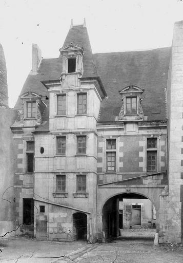 Maison renaissance dite Intendance , Durand, Eugène (photographe),
