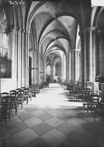 Eglise de Saint-Etienne-le-Vieux (ancienne) Déambulatoire, Service photographique,