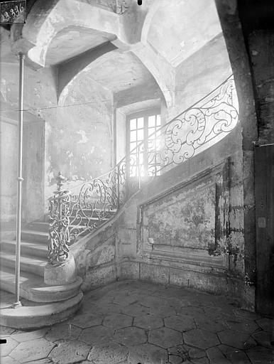 Immeuble Vue intérieure : Escalier, Lefèvre-Couton (photographe),