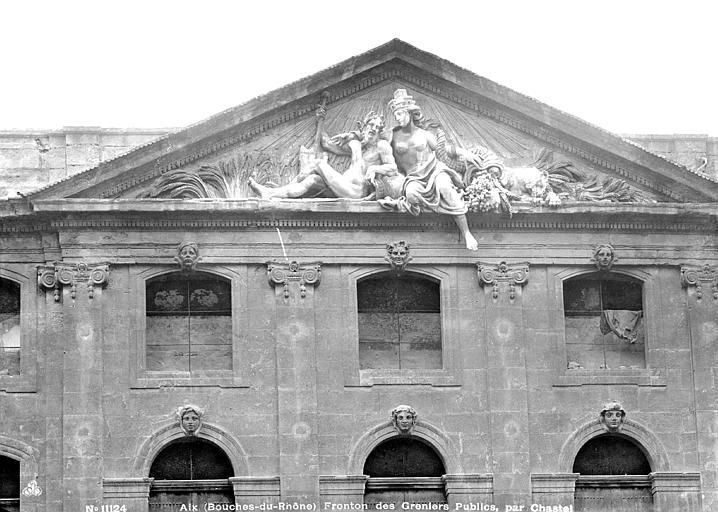 Halle aux grains (ancienne), Administration des Postes Fronton : Le Rhône et la Durance sous les traits de Cybèle, Mieusement, Médéric (photographe),