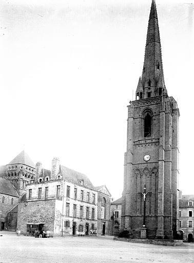 Eglise Saint-Sauveur Clocher isolé, Enlart, Camille (historien),