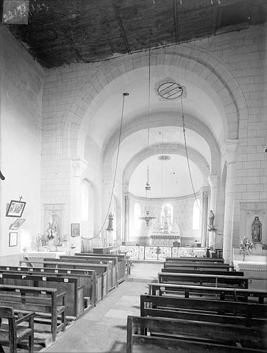 Eglise Saint-Louis Vue intérieure de la nef et du choeur, Heuzé, Henri (photographe),