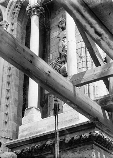 Cathédrale Notre-Dame Statue de roi dite de Pépin le Bref, Lajoie, Abel,