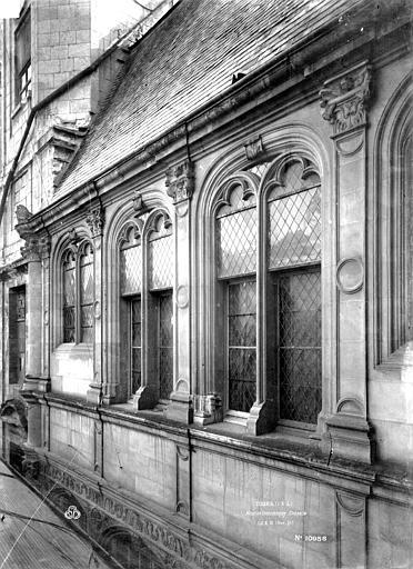 Hôtel de Beaune-Semblançay Chapelle, fenêtre, vitrail, Durand, Eugène (photographe),