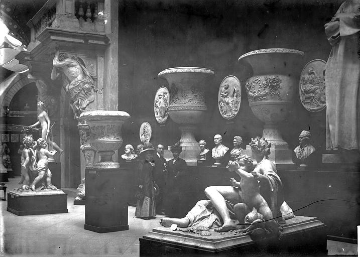 Château de Versailles , Enlart, Camille (historien), 75 ; Paris 16 ; Palais de Chaillot (Trocadéro) ; Musée de Sculpture comparée, musée des Monuments français