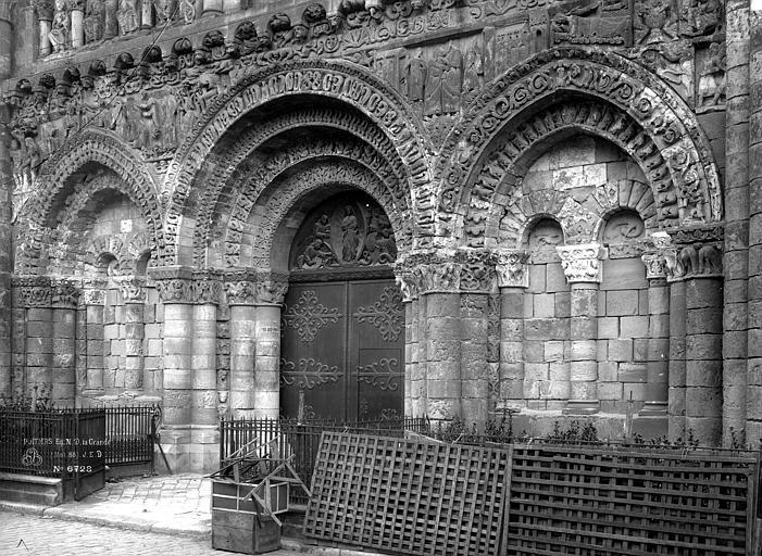 Eglise Notre-Dame-la-Grande Portail ouest, Durand, Eugène (photographe),