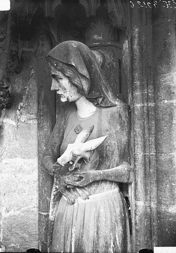 Cathédrale Notre-Dame Buste de la statue d'Eve, Lajoie, Abel,