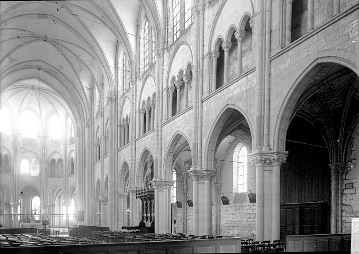 Abbaye Saint-Nicolas (ancienne) Eglise. Nef vue de l'entrée, Enlart, Camille (historien),
