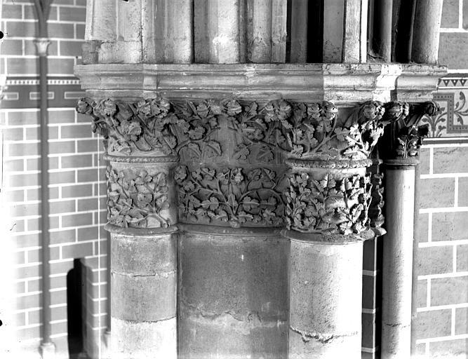 Cathédrale Notre-Dame Chapiteau du deuxième pilier de la chapelle absidiale, à gauche, Lajoie, Abel,
