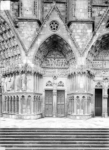 Cathédrale Saint-Etienne Quatrième portail de la façade ouest : porte saint Etienne, Doucet ; Baudet (photographe),