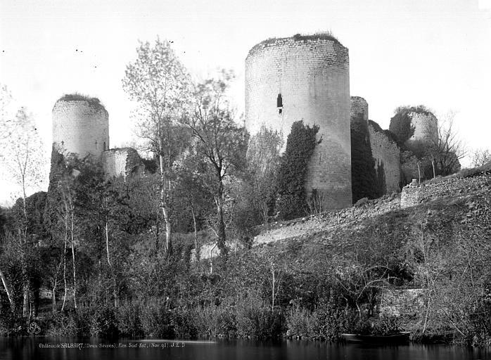 Château du Coudray-Salbart Vue sur la rivière, Durand, Eugène (photographe),