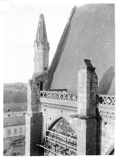 Cathédrale Saint-Gatien Façade nord : Pinacle de la face ouest du transept, Maupuit (Tours),