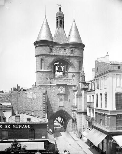 Porte de la Grosse Cloche , Neurdein Frères (photographes),