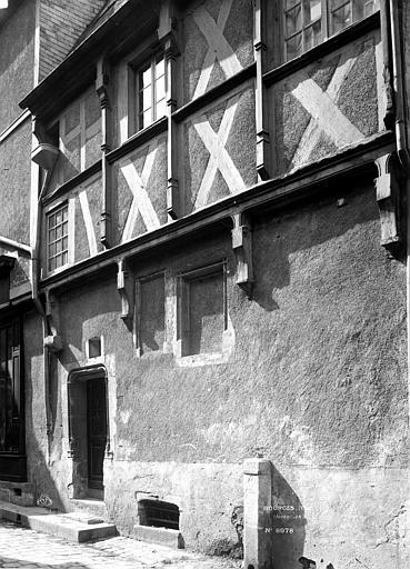 Maison à pans de bois Façade sur rue, Durand, Eugène (photographe),