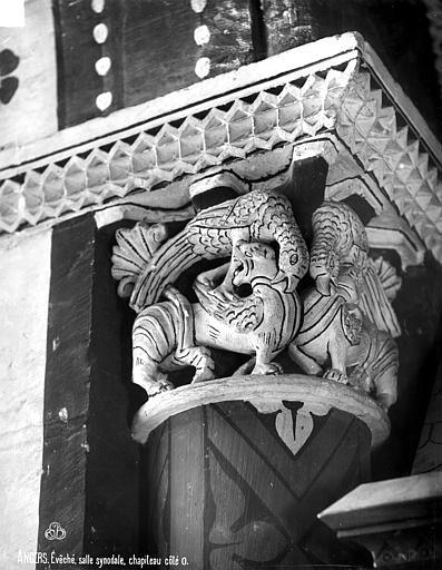 Evêché (ancien) ou Palais du Tau Chapiteau, Robert, Paul (photographe),