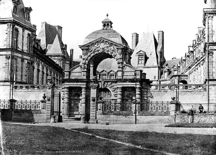 Domaine National Château, Porte Dauphine, Baldus, Edouard (photographe),