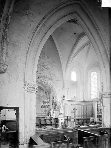Eglise Vue intérieure du choeur, prise du bas-côté nord vers le sud-ouest, Heuzé, Henri (photographe),
