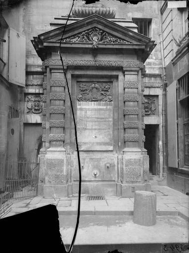 Fontaine Jarente Vue générale, Atget, Eugène (photographe),