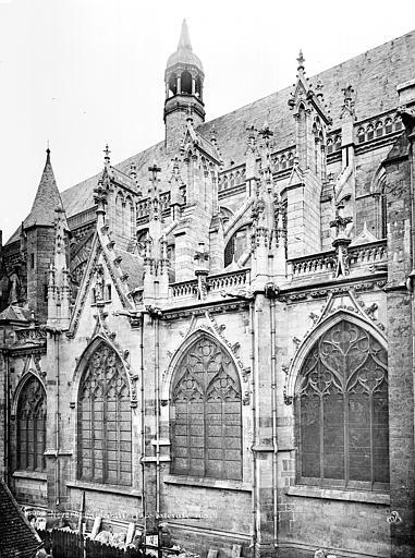 Cathédrale Saint-Cyr-et-Sainte-Julitte Façade nord : fenêtres et contreforts, Mieusement, Médéric (photographe),