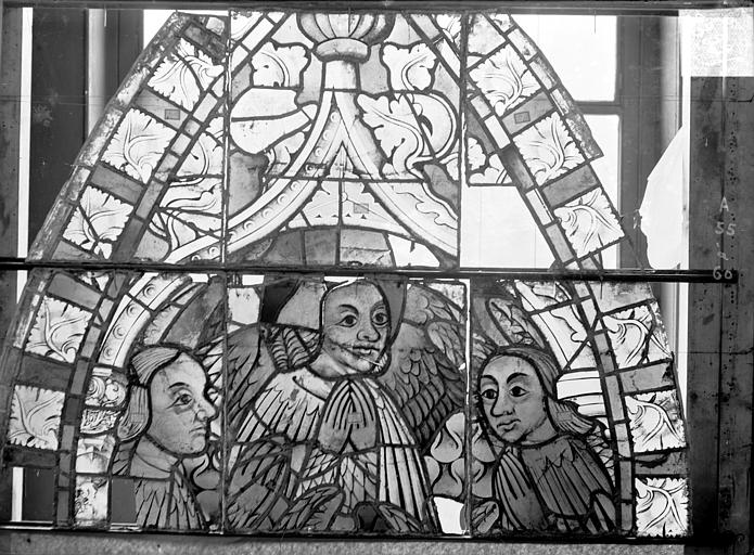 Cathédrale Saint-Etienne (ancienne) Vitrail du transept nord, fenêtre A, panneau supérieur, Romanais (photographe),