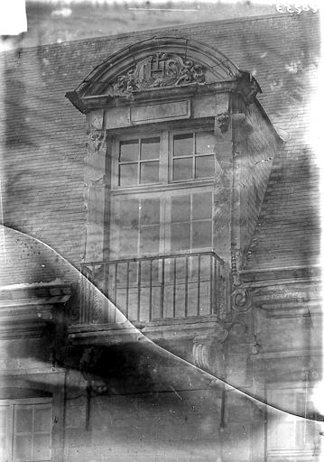 Hôpital général (ancien) ; Collège des Jésuites (ancien) ; Hospice général Museux Bibliothèque : Lucarne, Sainsaulieu, Max (photographe),
