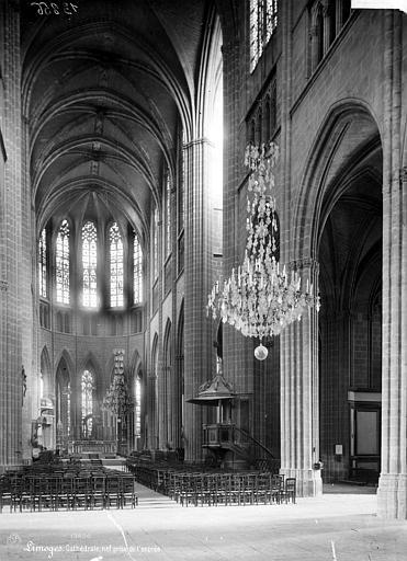 Cathédrale Saint-Etienne Vue intérieure de la nef, vers le choeur, Mieusement, Médéric (photographe),
