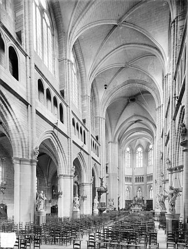 Cathédrale Saint-Bénigne Vue intérieure de la nef, vers le nord-est, Heuzé, Henri (photographe),