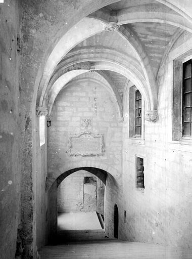Palais des Papes Escalier d'honneur, Durand, Jean-Eugène (photographe),