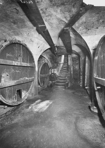 Abbaye aux Hommes (ancienne) Caves, Service photographique,