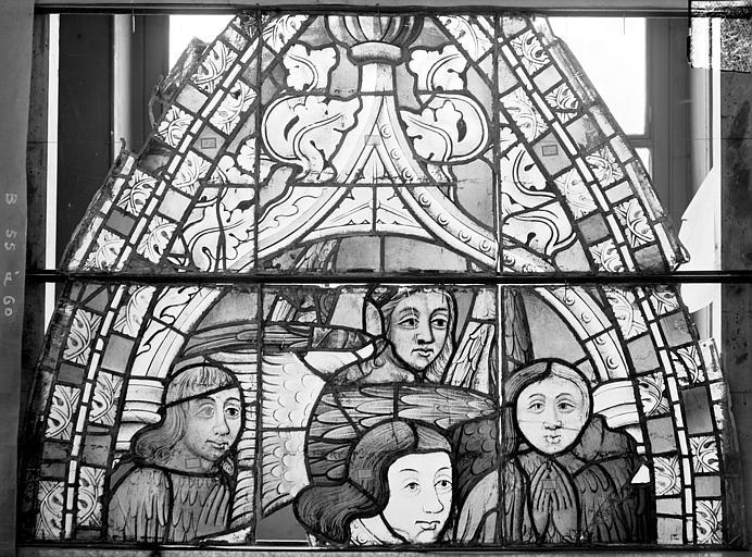 Cathédrale Saint-Etienne (ancienne) Vitrail du transept nord, fenêtre B, panneau supérieur, Romanais (photographe),