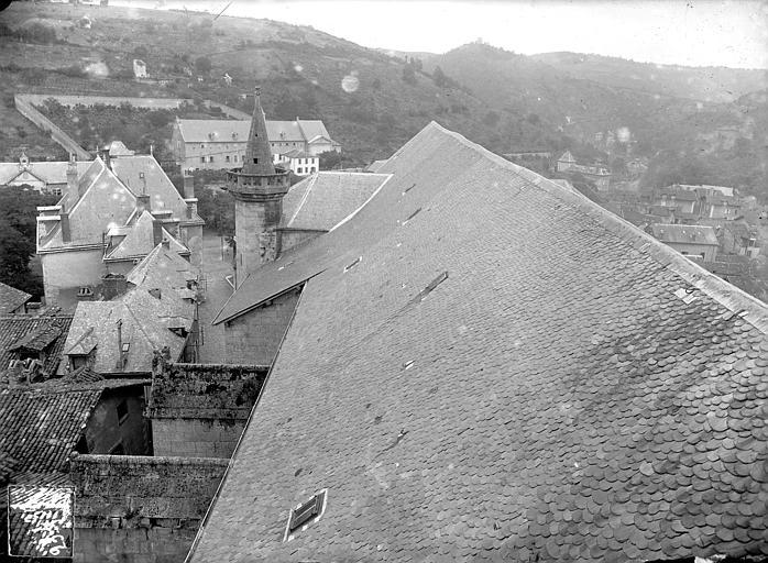 Eglise Notre-Dame (ancienne collégiale) Toiture : Versant nord, vers l'est, Manens,