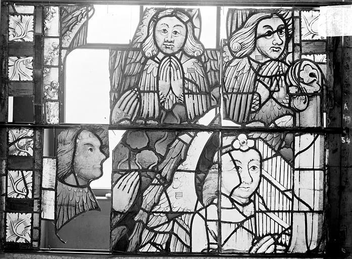 Cathédrale Saint-Etienne (ancienne) Vitrail du transept nord, fenêtre A, panneau médian, Romanais (photographe),