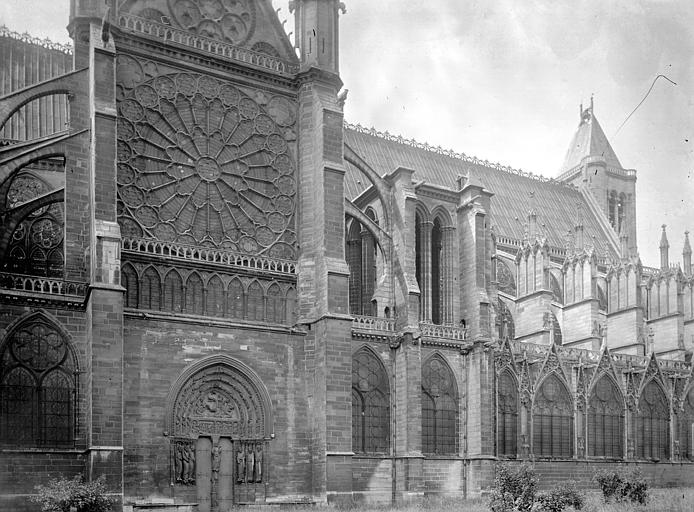 Eglise abbatiale Partie de la façade nord, Enlart, Camille (historien),