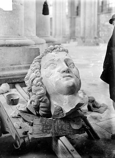 Cathédrale Notre-Dame , Sainsaulieu, Max (photographe),