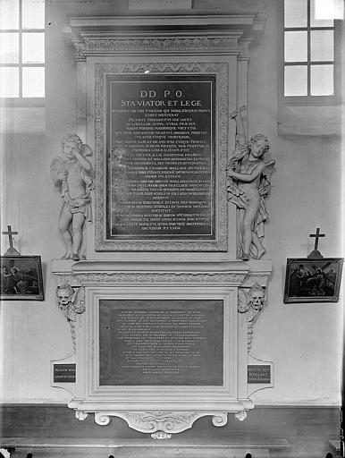 Hospice Sainte-Anne (ancien) Chapelle Sainte-Anne : Monument funéraire de Pierre Odebert, Gossin (photographe),