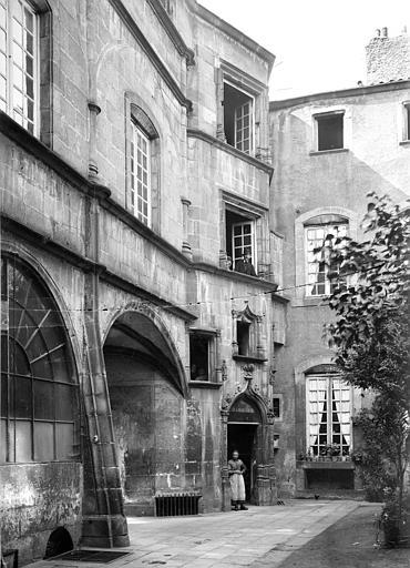 Hôtel de Ville Façade sur cour, Durand, Jean-Eugène (photographe),