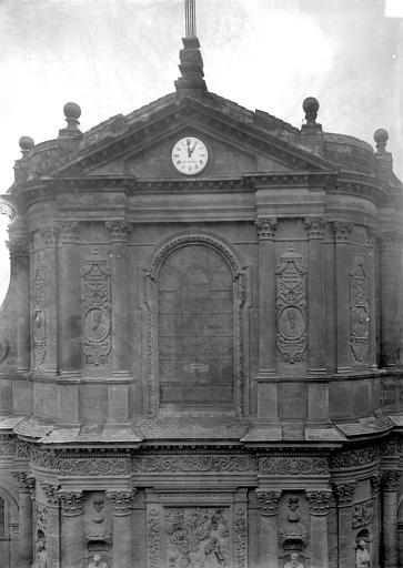 Eglise Saint-Dominique ; Eglise Notre-Dame Façade ouest : Fenêtre et fronton de la partie supérieure, Panajou (photographe),