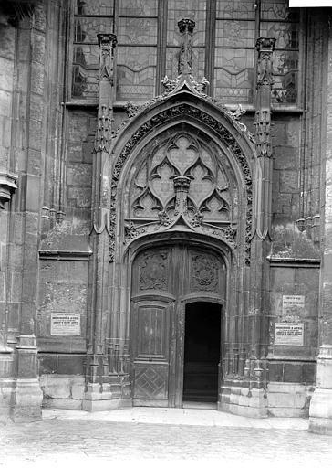 Eglise Saint-Ouen Portail, Enlart, Camille (historien),