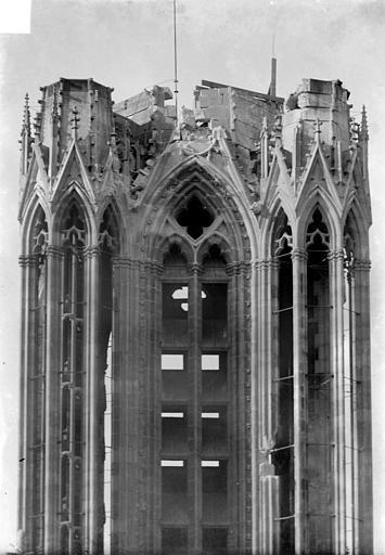 Cathédrale Notre-Dame Tour nord, côté nord : Couronnement, Sainsaulieu, Max (photographe),